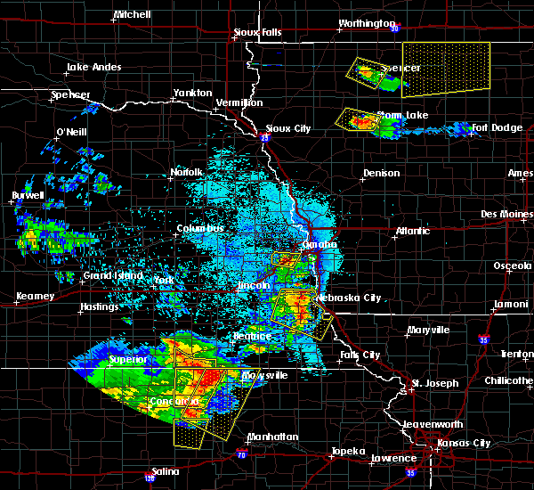 Radar Image for Severe Thunderstorms near Syracuse, NE at 6/5/2020 12:41 AM CDT