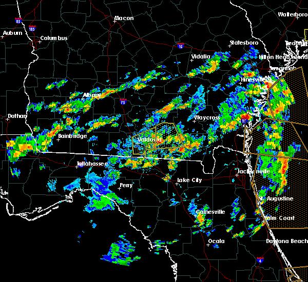 Radar Image for Severe Thunderstorms near Homerville, GA at 6/28/2015 3:14 PM EDT
