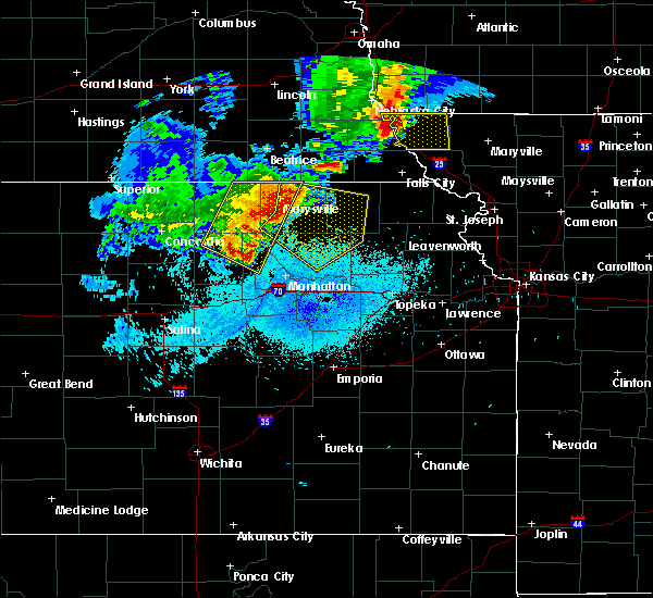 Radar Image for Severe Thunderstorms near Olsburg, KS at 6/5/2020 1:09 AM CDT