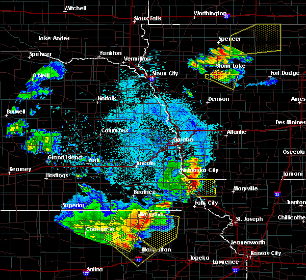 Radar Image for Severe Thunderstorms near Rock Port, MO at 6/5/2020 1:19 AM CDT