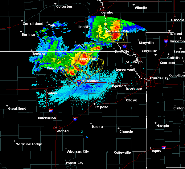 Radar Image for Severe Thunderstorms near Olsburg, KS at 6/5/2020 1:22 AM CDT