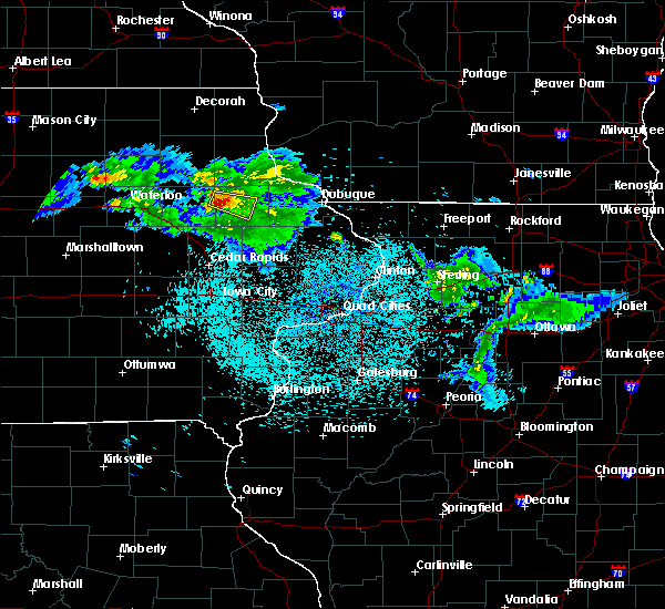 Radar Image for Severe Thunderstorms near Delaware, IA at 6/5/2020 1:36 AM CDT