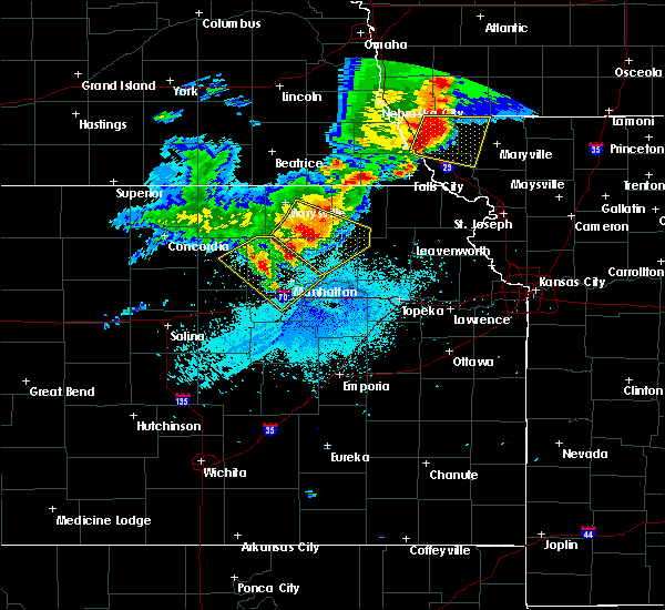 Radar Image for Severe Thunderstorms near Olsburg, KS at 6/5/2020 1:35 AM CDT