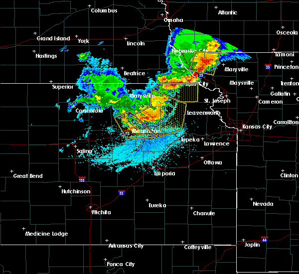 Radar Image for Severe Thunderstorms near Hoyt, KS at 6/5/2020 1:57 AM CDT