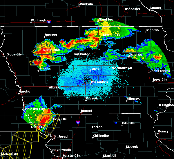 Radar Image for Severe Thunderstorms near Manson, IA at 6/5/2020 2:05 AM CDT
