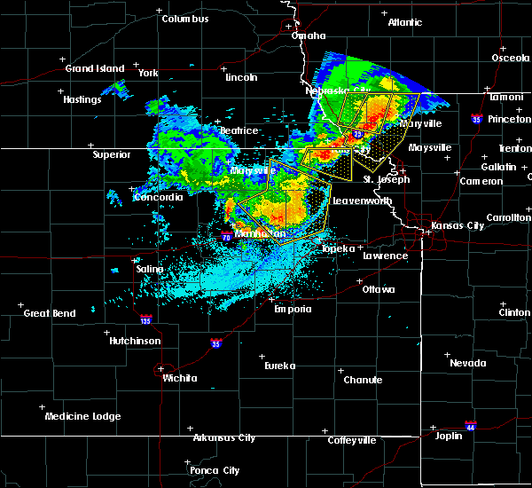 Radar Image for Severe Thunderstorms near Hoyt, KS at 6/5/2020 2:11 AM CDT
