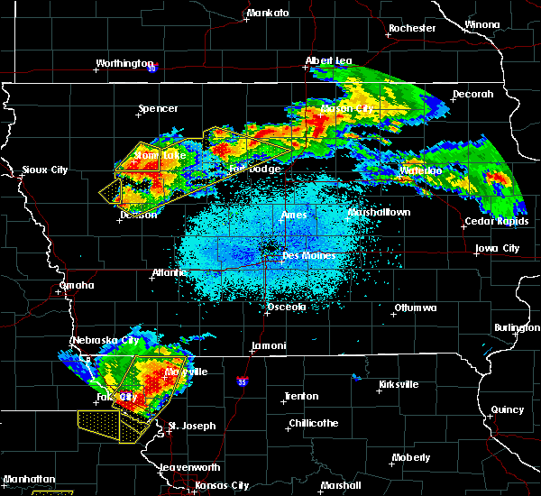 Radar Image for Severe Thunderstorms near Manson, IA at 6/5/2020 2:26 AM CDT