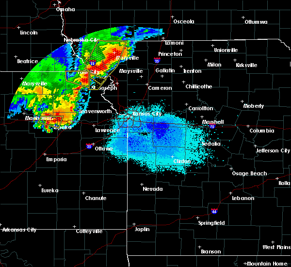 Radar Image for Severe Thunderstorms near Rosendale, MO at 6/5/2020 2:33 AM CDT