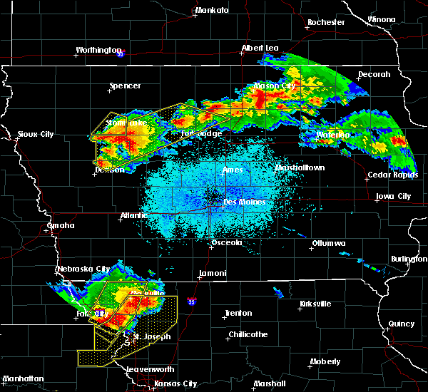 Radar Image for Severe Thunderstorms near Thor, IA at 6/5/2020 2:37 AM CDT