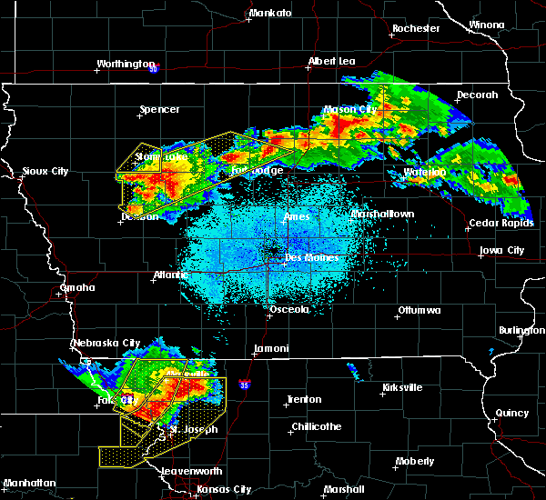 Radar Image for Severe Thunderstorms near Thor, IA at 6/5/2020 2:45 AM CDT