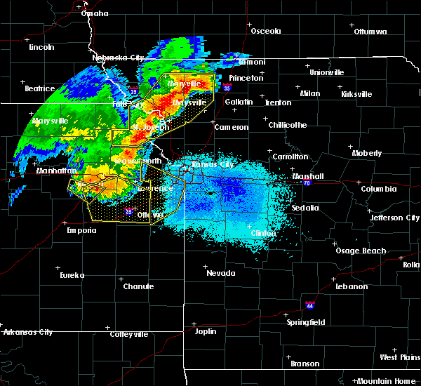 Radar Image for Severe Thunderstorms near Weatherby Lake, MO at 6/5/2020 3:00 AM CDT
