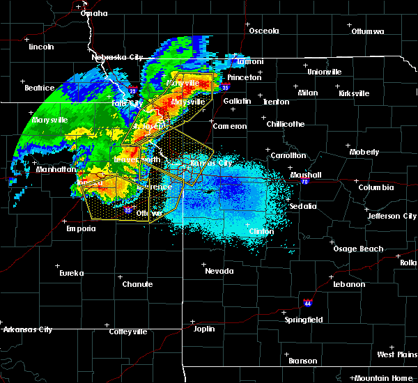 Radar Image for Severe Thunderstorms near Hamilton, MO at 6/5/2020 3:08 AM CDT
