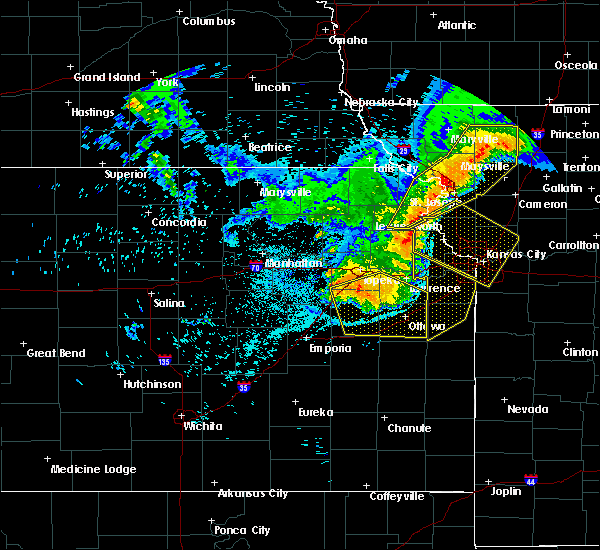 Radar Image for Severe Thunderstorms near Overbrook, KS at 6/5/2020 3:10 AM CDT
