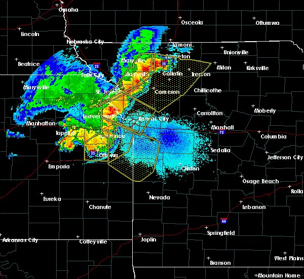 Radar Image for Severe Thunderstorms near Paola, KS at 6/5/2020 3:26 AM CDT