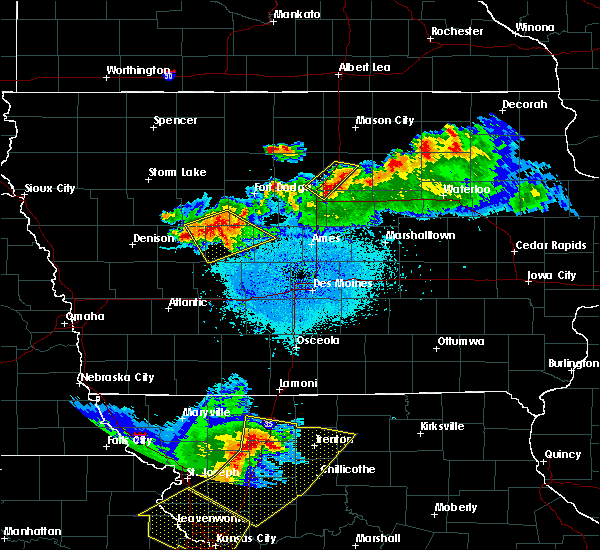 Radar Image for Severe Thunderstorms near Steamboat Rock, IA at 6/5/2020 3:37 AM CDT