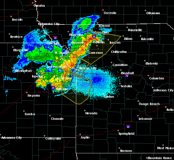 Radar Image for Severe Thunderstorms near Weatherby Lake, MO at 6/5/2020 3:39 AM CDT