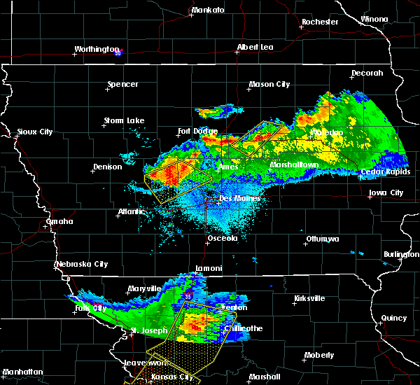 Radar Image for Severe Thunderstorms near Owasa, IA at 6/5/2020 4:09 AM CDT