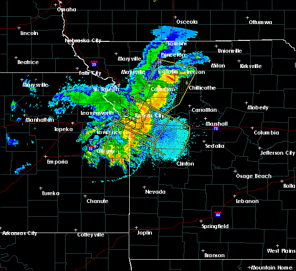 Radar Image for Severe Thunderstorms near Clinton, MO at 6/5/2020 4:14 AM CDT