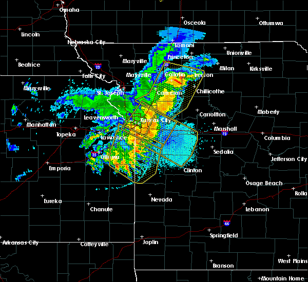 Radar Image for Severe Thunderstorms near Henrietta, MO at 6/5/2020 4:23 AM CDT