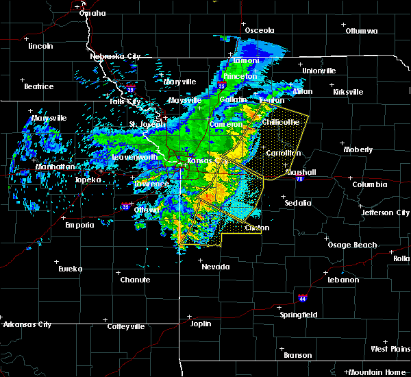 Radar Image for Severe Thunderstorms near Clinton, MO at 6/5/2020 4:36 AM CDT