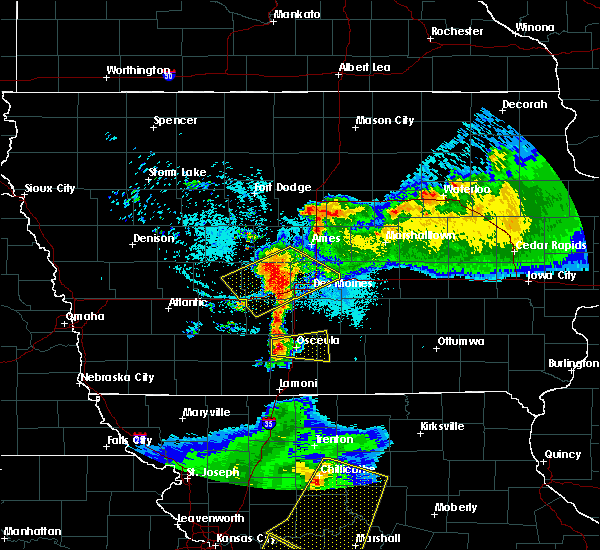 Radar Image for Severe Thunderstorms near Woodburn, IA at 6/5/2020 4:38 AM CDT