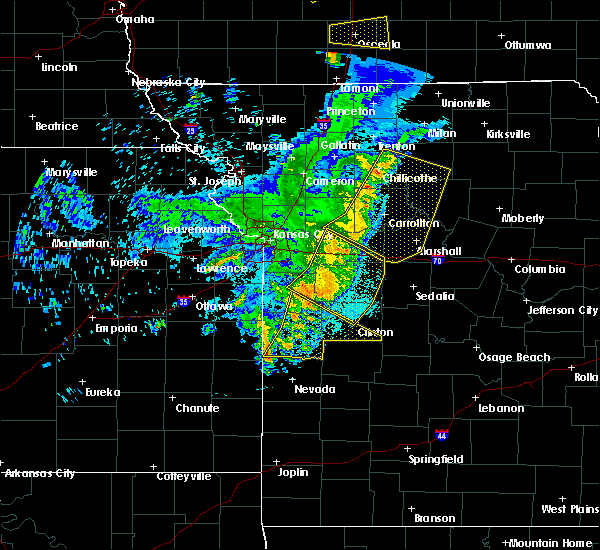 Radar Image for Severe Thunderstorms near Versailles, MO at 6/5/2020 4:44 AM CDT