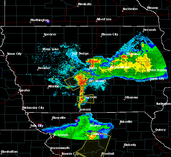 Radar Image for Severe Thunderstorms near Woodburn, IA at 6/5/2020 4:52 AM CDT