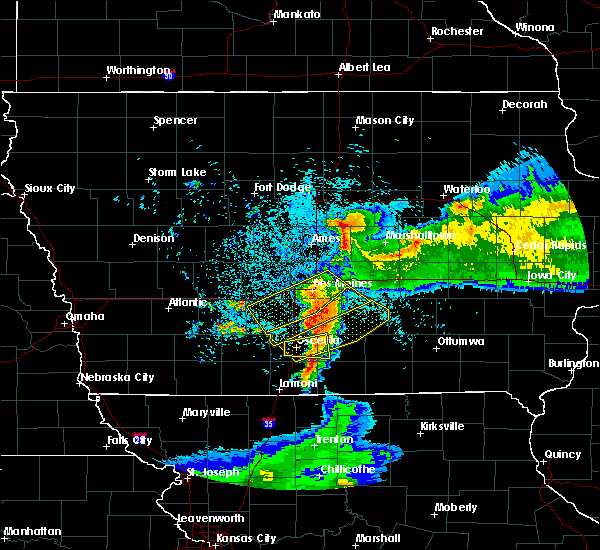 Radar Image for Severe Thunderstorms near Carlisle, IA at 6/5/2020 5:19 AM CDT