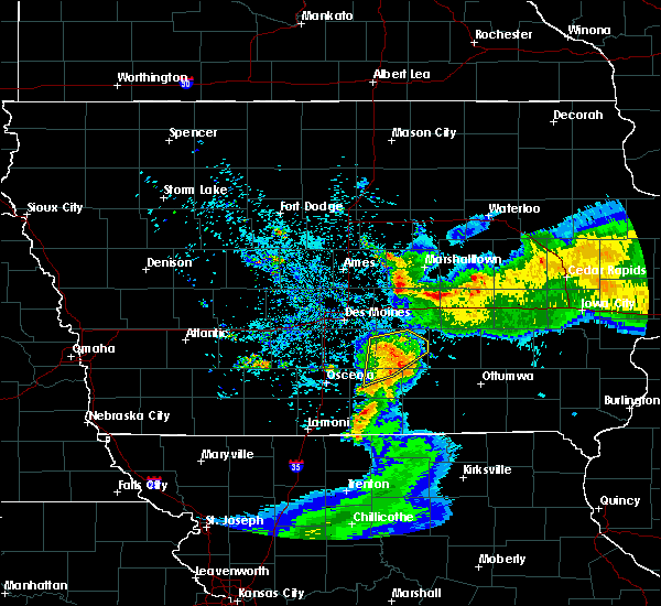 Radar Image for Severe Thunderstorms near Eddyville, IA at 6/5/2020 5:43 AM CDT