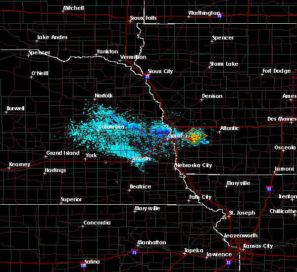 Radar Image for Severe Thunderstorms near Oakland, IA at 6/5/2020 7:10 PM CDT