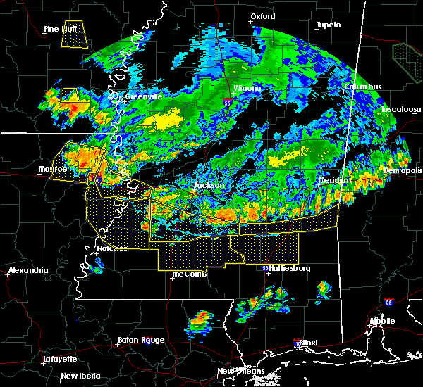 Radar Image for Severe Thunderstorms near New Hebron, MS at 6/5/2020 7:31 PM CDT