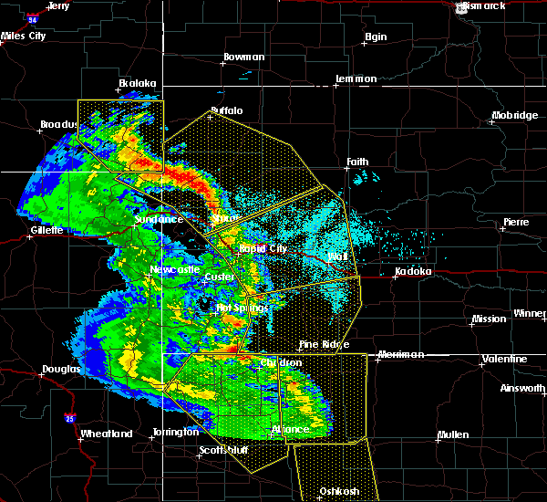 Radar Image for Severe Thunderstorms near Batesland, SD at 6/6/2020 6:48 PM MDT