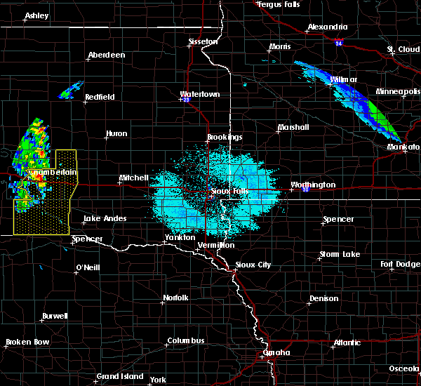 Radar Image for Severe Thunderstorms near Platte, SD at 6/6/2020 11:38 PM CDT