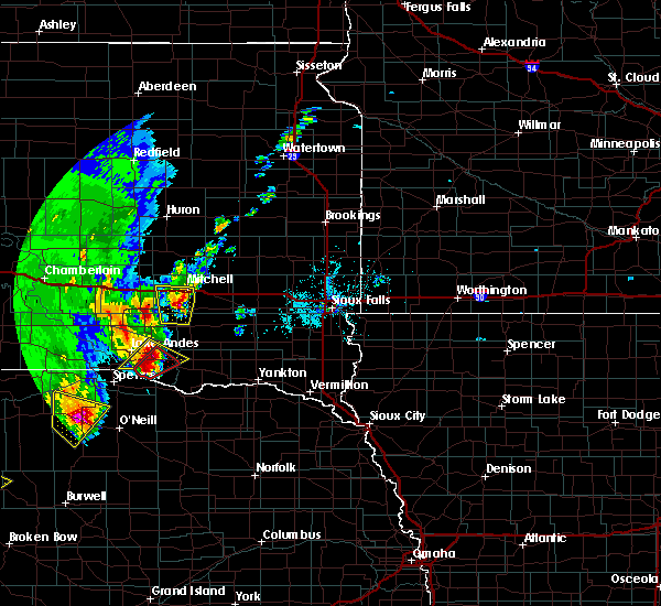 Radar Image for Severe Thunderstorms near Fulton, SD at 6/8/2020 9:55 PM CDT
