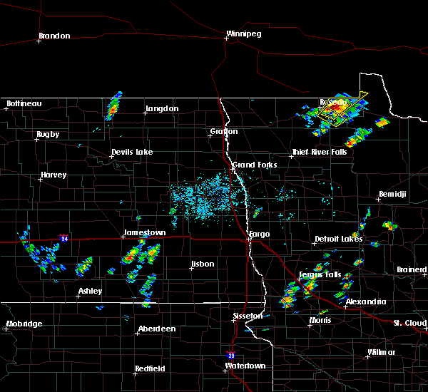 Radar Image for Severe Thunderstorms near Warroad, MN at 6/8/2020 10:06 PM CDT