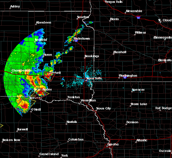 Radar Image for Severe Thunderstorms near Fulton, SD at 6/8/2020 10:07 PM CDT