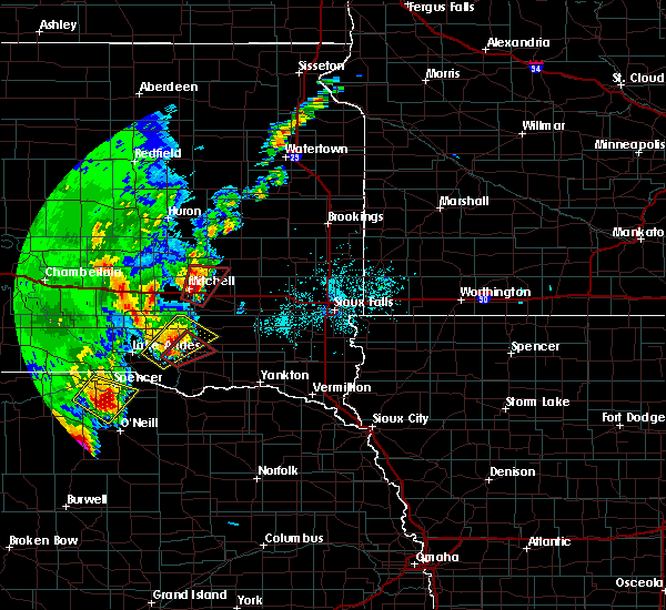 Radar Image for Severe Thunderstorms near Fulton, SD at 6/8/2020 10:21 PM CDT