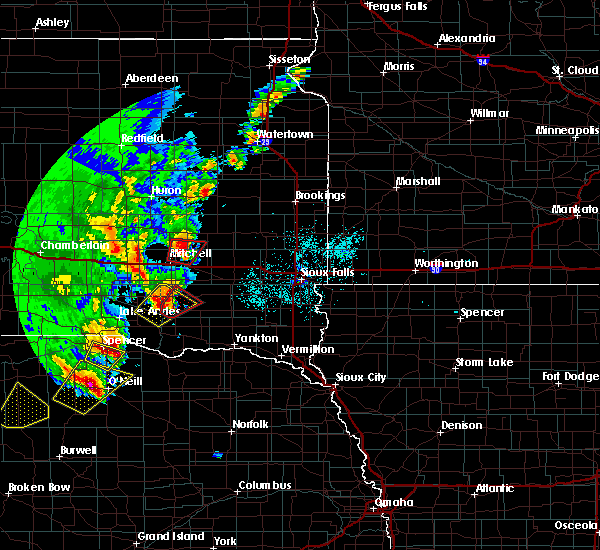Radar Image for Severe Thunderstorms near Fulton, SD at 6/8/2020 10:40 PM CDT
