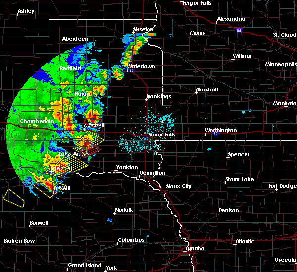 Radar Image for Severe Thunderstorms near Fedora, SD at 6/8/2020 10:51 PM CDT