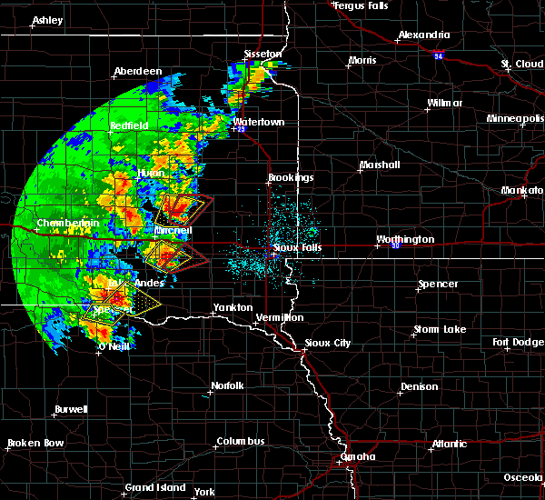 Radar Image for Severe Thunderstorms near Fedora, SD at 6/8/2020 11:03 PM CDT