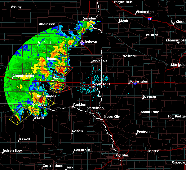 Radar Image for Severe Thunderstorms near Fedora, SD at 6/8/2020 11:09 PM CDT