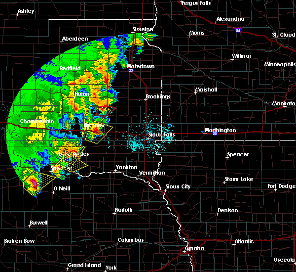 Radar Image for Severe Thunderstorms near Fulton, SD at 6/8/2020 11:34 PM CDT