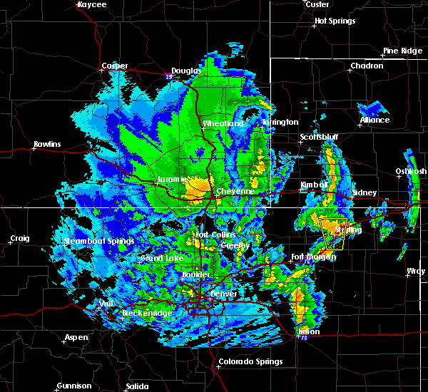 Radar Image for Severe Thunderstorms near Sterling, CO at 6/8/2020 11:21 PM MDT