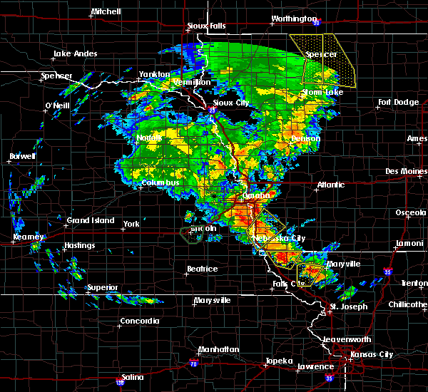 Radar Image for Severe Thunderstorms near Clarinda, IA at 6/9/2020 8:44 PM CDT