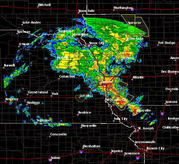 Radar Image for Severe Thunderstorms near Glenwood, IA at 6/9/2020 8:58 PM CDT
