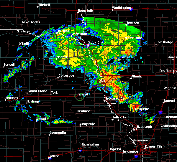 Radar Image for Severe Thunderstorms near Clarinda, IA at 6/9/2020 9:11 PM CDT