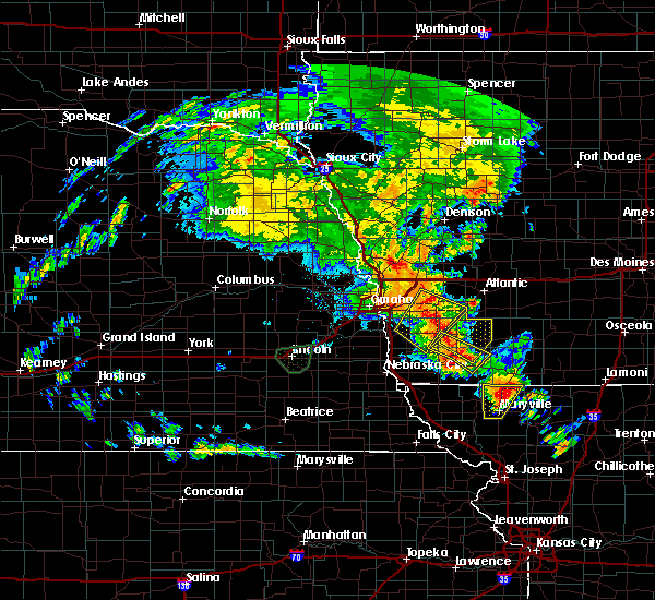 Radar Image for Severe Thunderstorms near Oakland, IA at 6/9/2020 9:21 PM CDT