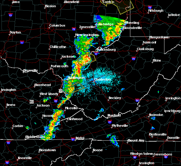 Radar Image for Severe Thunderstorms near Ravenswood, WV at 6/10/2020 9:27 PM EDT