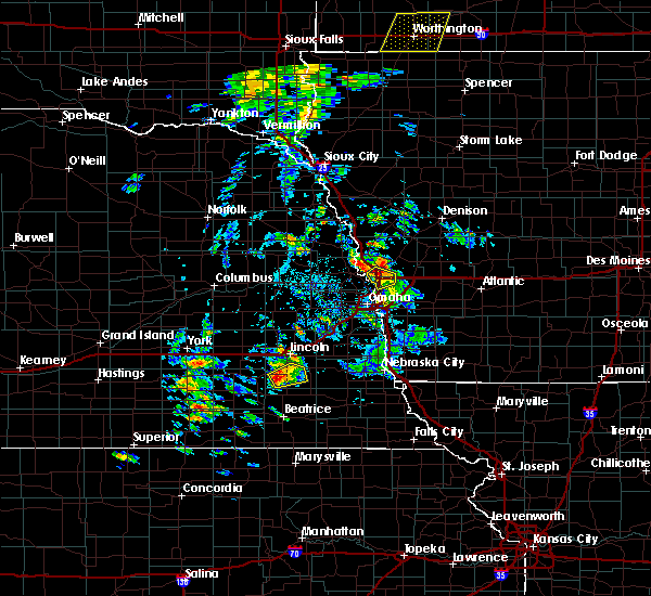 Radar Image for Severe Thunderstorms near California Junction, IA at 6/18/2020 3:28 PM CDT