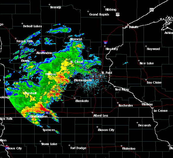 Radar Image for Severe Thunderstorms near Winthrop, MN at 6/18/2020 4:33 PM CDT